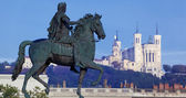 Panoramic view of famous statue and Fourviere basilic — Stock Photo