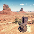 Boots and hat at Monument Valley — Stockfoto