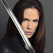 Portrait of girl with Katana — Stockfoto