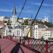 View of Lyon with red footbridge — Foto de Stock