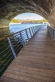 Sous un pont — Photo
