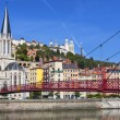 View of Lyon city and red footbridge — Lizenzfreies Foto