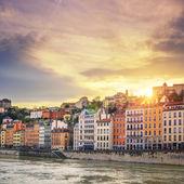 řeky saone v lyonu města při západu slunce — Stock fotografie