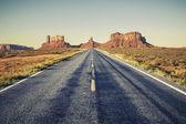 Long road — 图库照片