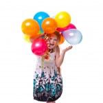 Little beautiful girl celebrate her birthday — Stock Photo #20840199