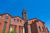 ミラノ、サン サンテウストルジョ教会 — ストック写真