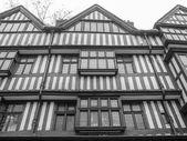 Tudor building — Stock Photo
