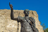 Standbeeld van keizer trajanus — Stockfoto