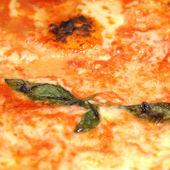 Pizza margherita — Foto Stock
