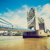 Vintage look tower bridge, londen — Stockfoto