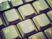 レトロな外観のコンピューターのキーボード — ストック写真