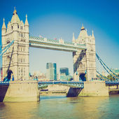 Vintage bir görünüm tower bridge londra — Stok fotoğraf