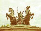 Retro looking Boadicea monument, London — Stok fotoğraf