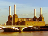 Retro looking London Battersea powerstation — Stock Photo