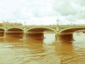 Retro görünümlü westminster köprüsü — Stok fotoğraf