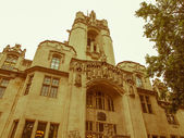 Retro looking Supreme Court London — Stock Photo