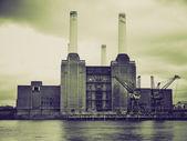 Vintage sepia Battersea Powerstation, London — Stock Photo