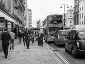 черный и белый strand, лондон — Стоковое фото