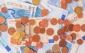 евро монетки и примечания — Стоковое фото