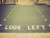 Retro look Look left — Stockfoto