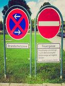 Retro look No parking sign — Стоковое фото