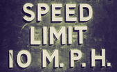 Retro look Speed limit sign — Stock Photo