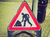Retro-look wegwerkzaamheden teken — Stockfoto