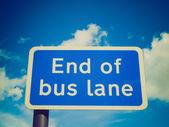 Retro-look einde van busbaan — Stockfoto