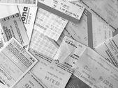 Svarta och vita kollektivtrafik biljetter — Stockfoto