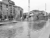 Black and white Merz Igloo fountain — Stock Photo