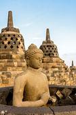 Buddha staty inuti en av borobudur templet stupas — Stockfoto