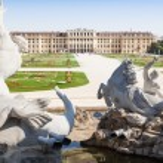 Neptune Fountain in Schonbrunn Palace, Vienna, Austria — Stock Photo