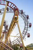 Ferris Wheel and Roller Coaster — Stockfoto
