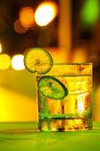 Gin tonic cocktail — Stockfoto