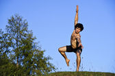 Yang ballet dancer performs on open air — Stockfoto