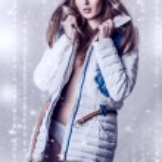 美しいブルネットの女性の白いジャケット — ストック写真 #14516973