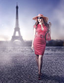 Fashion beautiful woman in Paris, France — Stock Photo