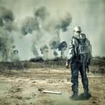 Post apocalypse. Man in gas mask — Stock Photo
