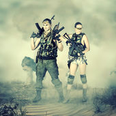 Military man and woman — Stock Photo