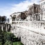 Bergamo, Citta Alta, Lombardy, Italy, from via San Vigilio on a sunny spring afternoon.Bergamo, Citta Alta, Lombardy, Italy, from via San Vigilio on a sunny spring afternoon. — Stock Photo #18488673