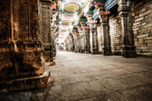 Details of Meenakshi Temple - one of the biggest and oldest temple in Madurai, India. — Stock Photo