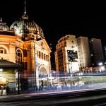 Flinder street station in Melbourne Australia at night — Stock Photo