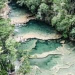 Beautiful arial view of turquoise waterfalls Semuc Champey in guatemala — Stock Photo