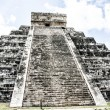 Mayan pyramid of Kukulcan El Castillo in Chichen-Itza (Chichen Itza), Mexico - Foto de Stock