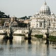 St Peters basilica and river Tibra in Rome, Italy — Stock Photo
