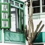 Traditional house in Puerto Del Carmen, Lanzarote, Canary islands, Spain — Stock Photo #19797667