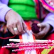 Traditional hand weaving in the Andes Mountains, Peru — Stock Photo