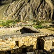 Ollantaytambo - old Inca fortress and town the hills of the Sacred Valley (Valle Sagrado) in the Andes mountains of Peru, South America — Stock Photo