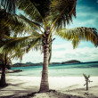 Green tree on a white sand beach. Malcapuya island, Coron, Philippines. — Stock Photo #28223471
