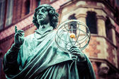 Monument of great astronomer Nicolaus Copernicus, Torun, Poland — Stock Photo